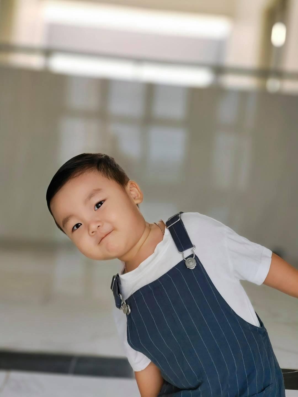 Con trai 2 tuổi đạt 1 triệu follow trên MXH, Hoà Minzy khẳng định không nhận quảng cáo
