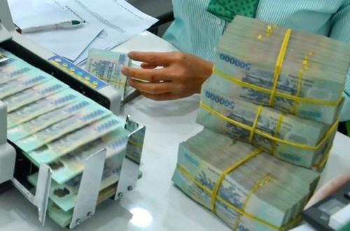 Doanh thu nhiều ngân hàng bất ngờ tăng mạnh nhờ phân phối bảo hiểm, 3 'ông lớn' ngân hàng được gọi tên