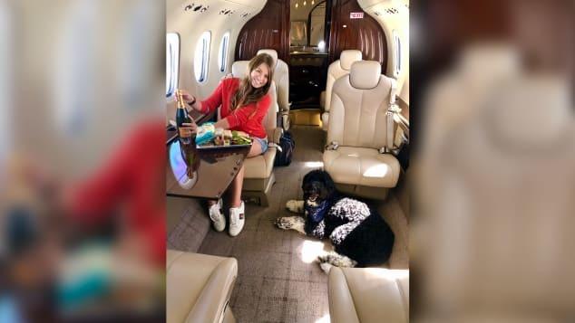 Những thú cưng 'tốt số' đi khắp nơi cùng chủ trên máy bay riêng
