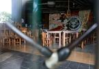 Hàng quán vẫn đóng cửa im lìm trước ngày thí điểm mở cửa quận 7