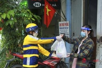 Một quận của Hà Nội 'đi chợ cho người dân' bằng xe công nghệ