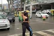 Khoe cảnh nhảy múa trên vạch kẻ sang đường, cô gái bị cảnh sát triệu tập