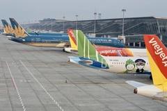 Áp sàn giá vé máy bay: Người dân thiệt thòi, chỉ lợi cho hãng lớn