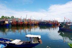 Quảng Bình: Bảo vệ tàu cá của ngư dân trước mùa mưa bão
