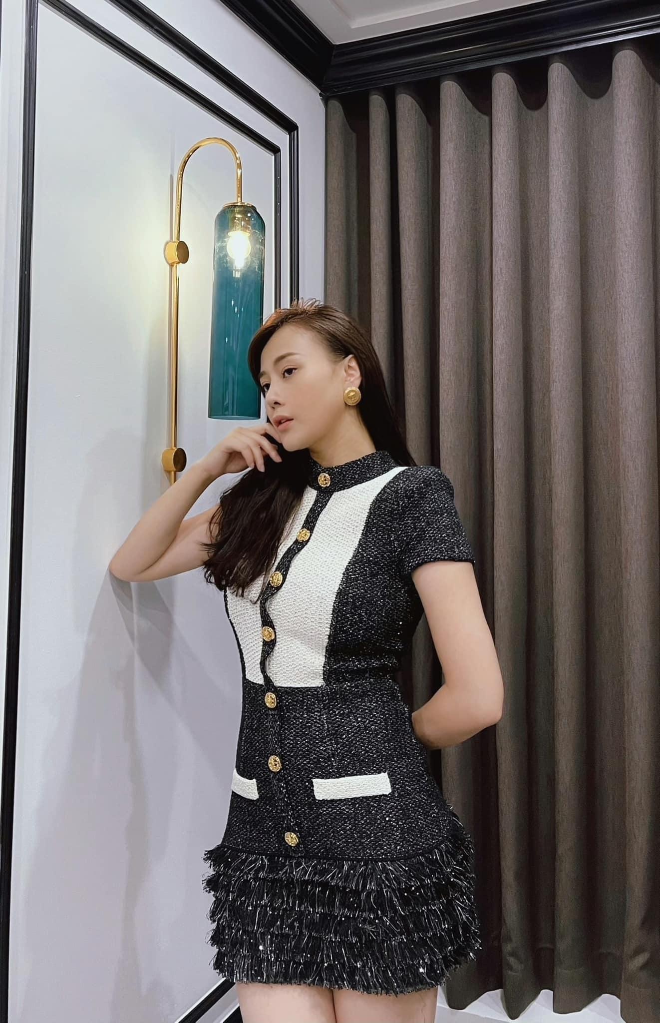 Bị chê mặc đồ 'thảm họa' trong phim, Phương Oanh đáp trả khéo léo kiểu 'ông nói gà, bà nói vịt'