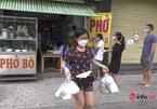 Hà Nội: Ngày đầu được bán hàng mang về, khách đến mua 8 bát phở cho cả tầng