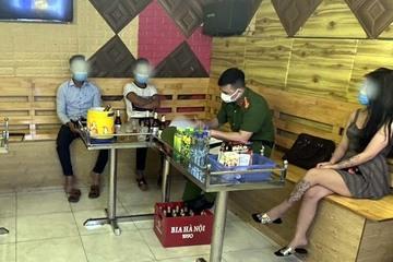 Chủ quán karaoke Thu Chuyên ngang nhiên vi phạm phòng chống dịch bị xử lý