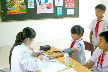 Học sinh, sinh viên tham gia BHYT được thanh toán 100% chi phí khám chữa bệnh ở tuyến huyện, tỉnh
