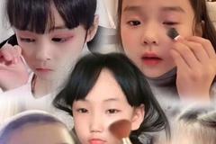 Trẻ 5 tuổi dạy cách trang điểm gợi cảm ở Trung Quốc