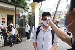 """Phụ huynh Hà Nội """"thở phào"""" vì dự kiến tháng 11 học sinh có thể quay lại trường"""