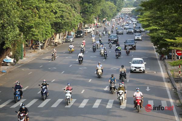 Tắc đường,Hà Nội,Chỉ thị 15,Giãn cách xã hội,Giấy đi đường