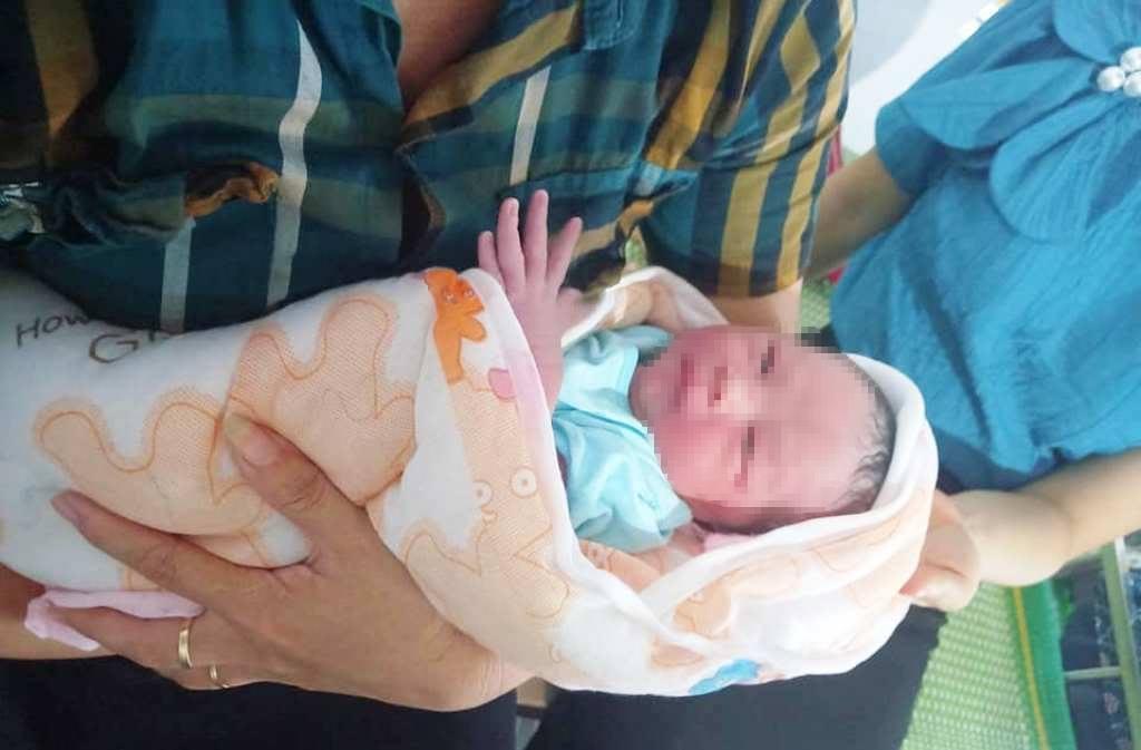 Bé trai,trẻ sơ sinh bị bỏ rơi,Nghệ An