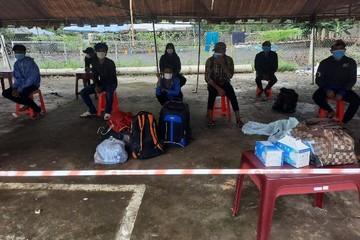 12 ngư dân đạp xe từ Nam Định kẹt tại Đắk Nông được bố trí ăn ở cùng chốt kiểm dịch