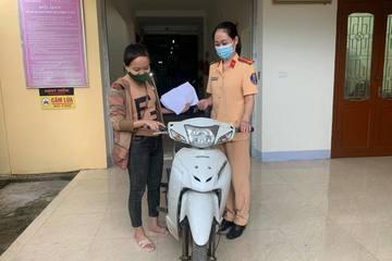 Cô gái trẻ nhận tin vui sau 3 năm bị mất cắp xe máy