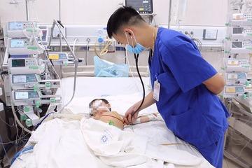 Trẻ 16 tháng tử vong vì cha mẹ sợ tiêm vắc xin phòng dại suy giảm trí nhớ, tiêm phòng dại có gây hại?