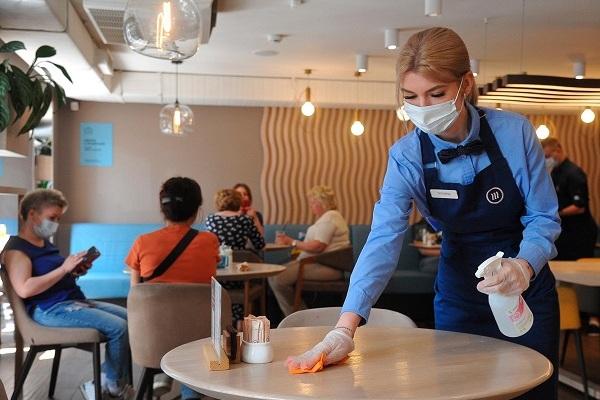 'Hà Nội nên mở cửa hàng ăn uống, cho học sinh đi học lại'