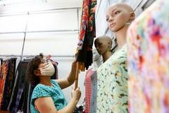 Các tiệm thời trang ở Hà Nội ngày đầu mở cửa trở lại