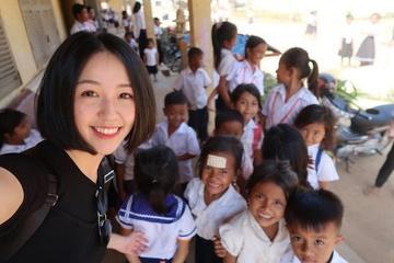 'Cô giáo đẹp nhất Trung Quốc' bị tố gian lận tiền từ thiện
