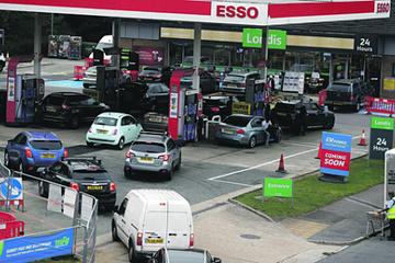 Brexit và sai lầm của ông Johnson đẩy người Anh vào cuộc khủng hoảng nhiên liệu