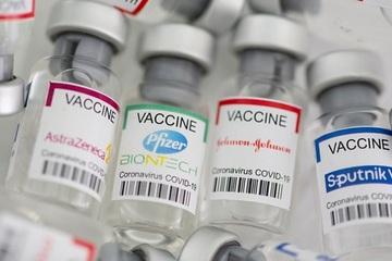 Mỹ 'cấm cửa' đối với người nước ngoài tiêm vắc xin Sputnik V