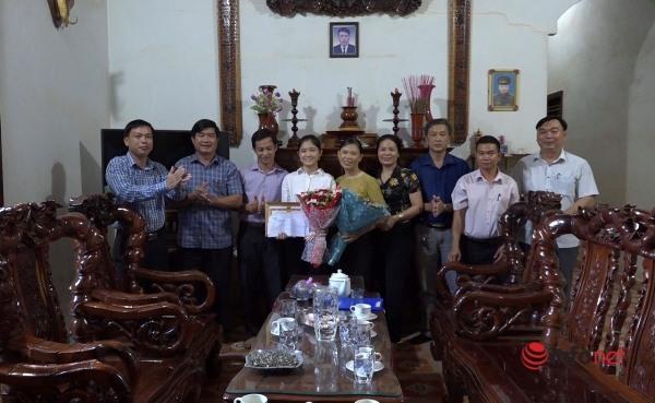 Nữ sinh dân tộc Sán Chay trở thành thủ khoa Học viện Hàng không dù chưa từng đi học thêm