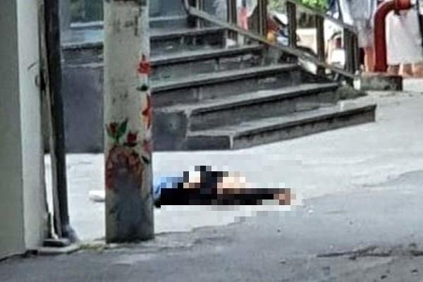 Phát hiện cô gái trẻ tử vong bất thường trên vỉa hè dưới chân tòa nhà văn phòng