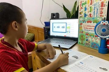 """Phụ huynh """"mách"""" nhau cách giúp con học online hiệu quả"""