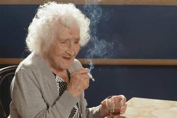 Tuổi thọ cao nhất của con người có thể đạt được là bao nhiêu?