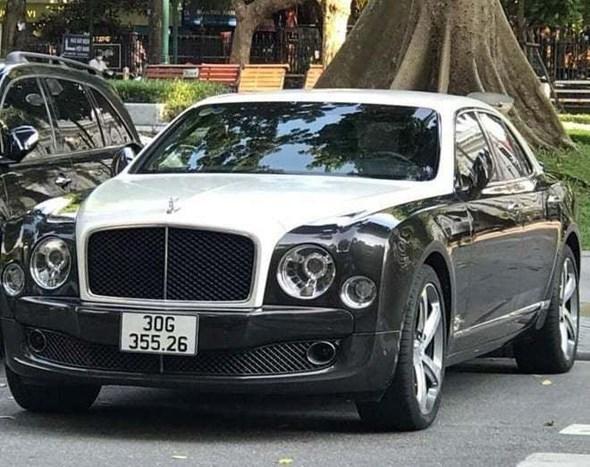 Phát hiện siêu xe Bentley đeo biển kiểm soát giả