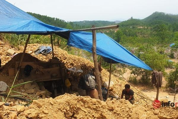 Truy quét 'vàng tặc' tại mỏ vàng lớn nhất Quảng Nam