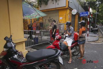 Phong tỏa nhiều con phố gần BV Việt Đức, khoảng 1.000 người nhà bệnh nhân đi cách ly tập trung