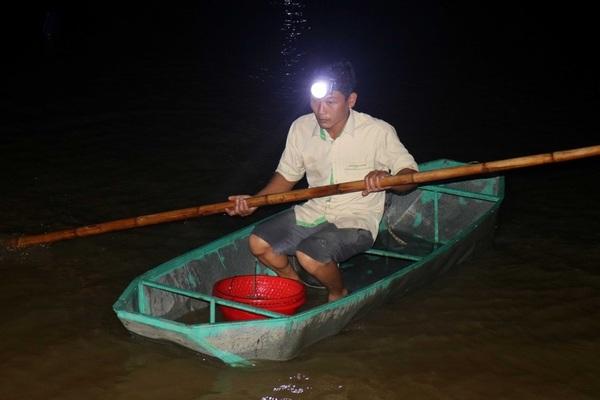Mùa rươi sớm trên sông Lam