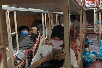 Xe giường nằm ''chui'' định đưa 10 khách từ Hà Nội không xét nghiệm về miền Trung, tài xế sẽ bị phạt nặng