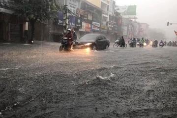 Bắc Bộ mưa rất to, nhiệt độ giảm sâu, bão Kompasu sắp vào Biển Đông