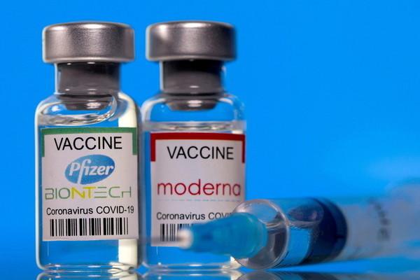 Cơ quan Dược phẩm châu Âu khuyến cáo tiêm mũi 3 cho người có hệ miễn dịch yếu