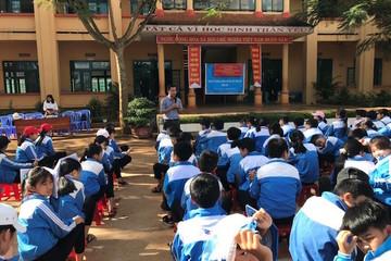 2.000 học sinh, thầy cô giáo tỉnh Đắc Nông được tuyên truyền tác hại thuốc lá