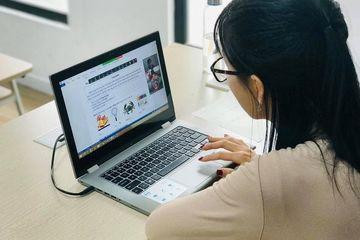 Tân sinh viên học online ngay khi vào ĐH: Khó khăn song hành cơ hội!