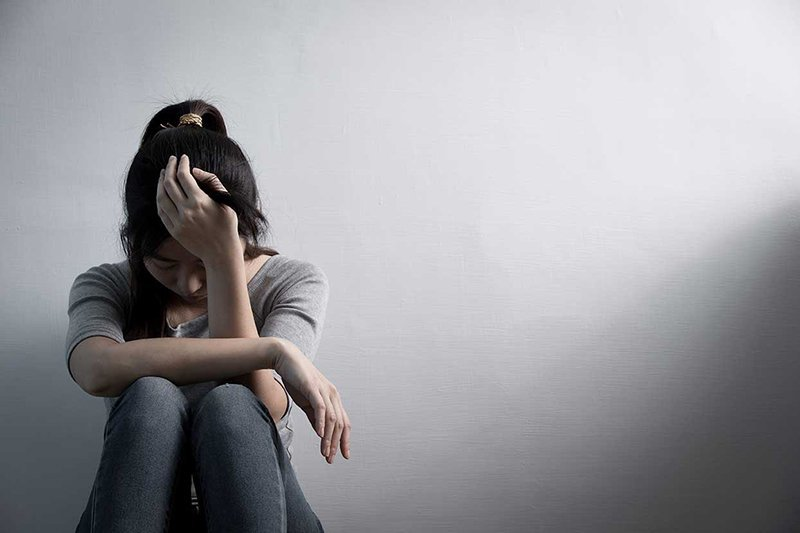 Nữ sinh Hà Nội rạch tay chi chít vì trầm cảm do ở nhà nhiều, học online
