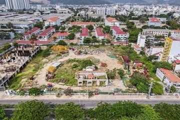 Hàng loạt khu 'đất vàng' bị bỏ hoang ở Nha Trang