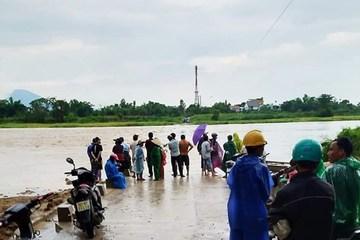 Quảng Nam: 4 người bị nước lũ cuốn, 1 người mất tích