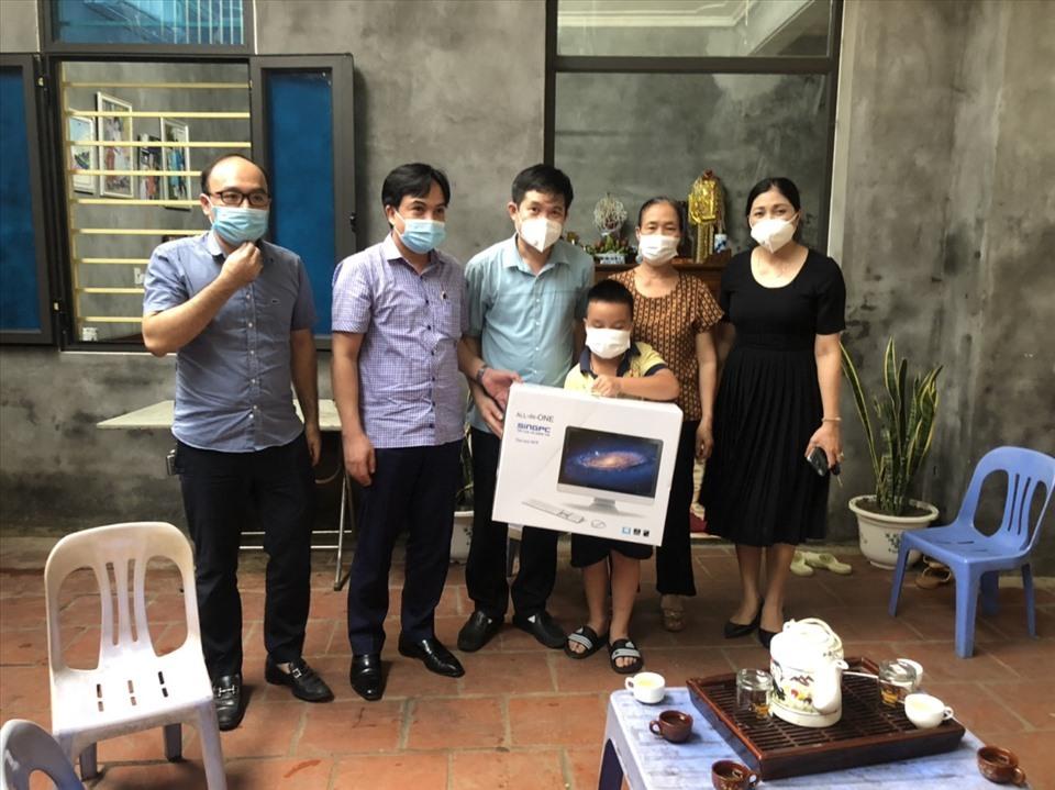 Bắc Ninh: Chắp cánh ước mơ cho hàng trăm học trò nghèo
