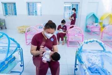 TP.HCM: Trẻ em mồ côi do Covid-19 được cấp thẻ BHYT đến 22 tuổi