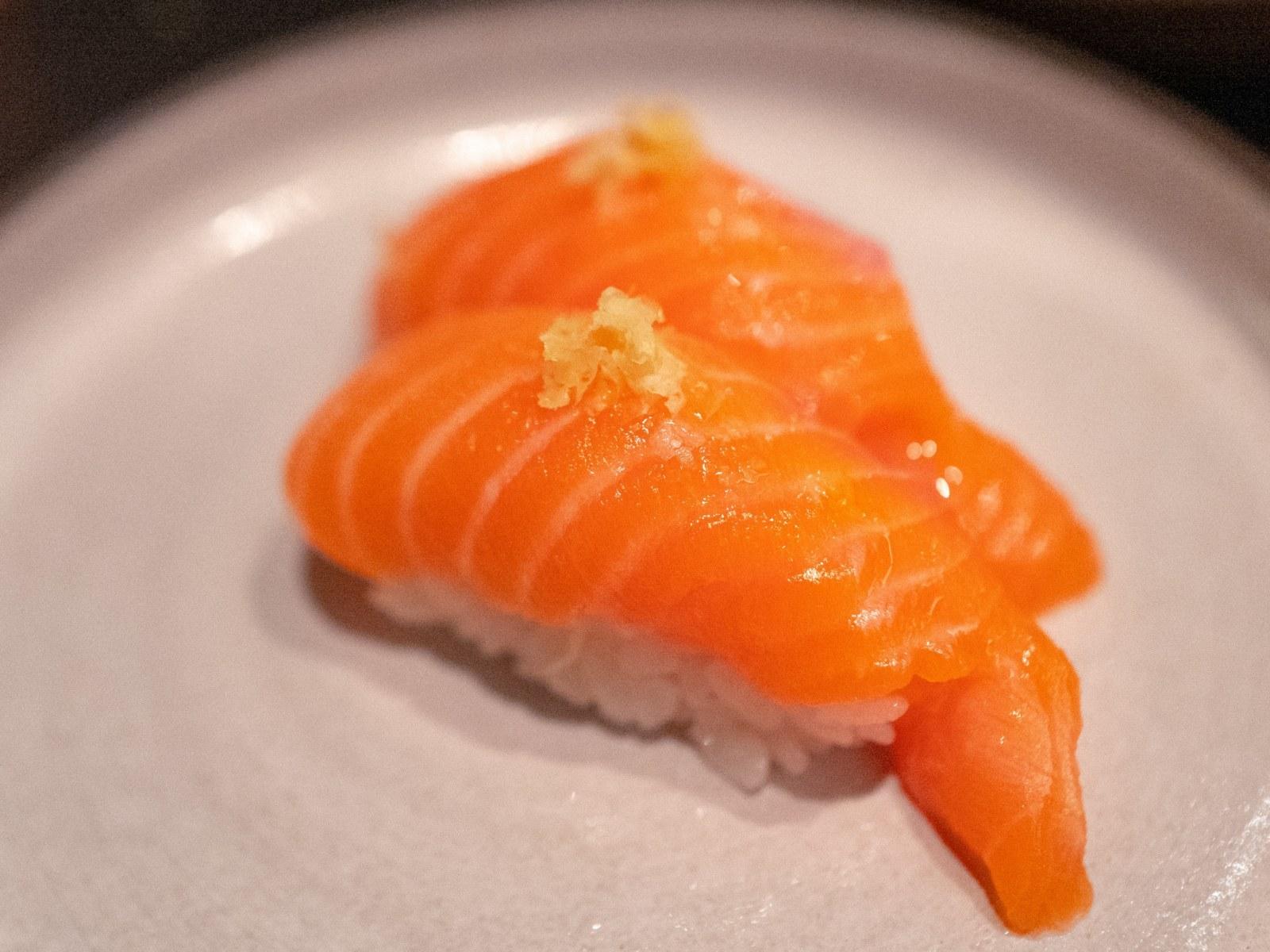 'Miếng sushi cá hồi' này thực ra là một sinh vật mới phát hiện ở Nhật Bản