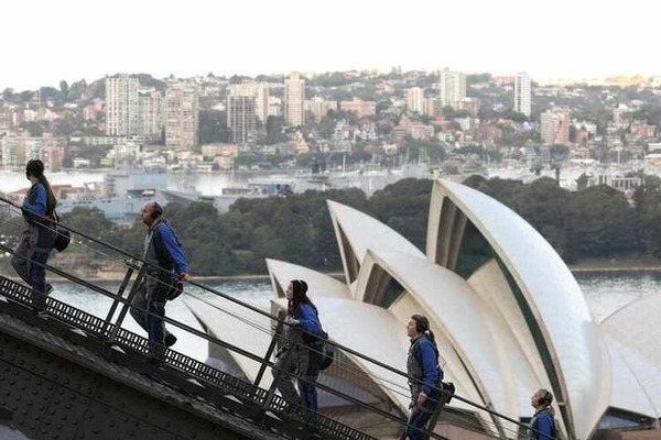 Thành phố Sydney kết thúc 100 ngày chỉ có 'mồ hôi và không có bia'