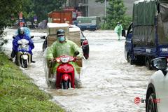 Đường gom Đại lộ Thăng Long khi nào thoát ngập, ùn tắc?