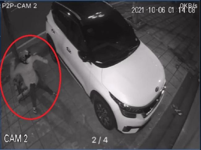Tên trộm dùng 'vật lạ' ném vỡ kính ô tô, dân mạng bày nhau cách bảo vệ tài sản