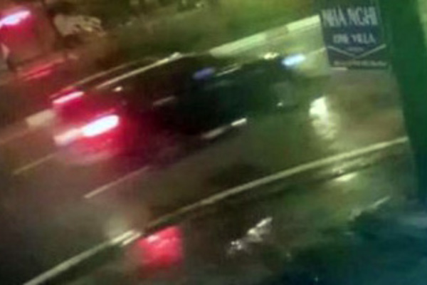 Truy tìm tài xế gây tai nạn kinh hoàng giữa trời mưa gió khiến 2 mẹ con nguy kịch
