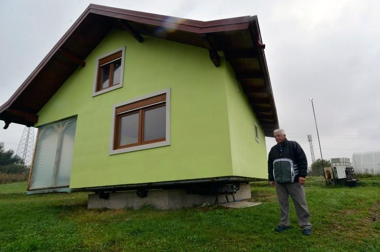 Căn nhà xoay 360 độ độc nhất vô nhị cho phép chủ nhà ngắm nhiều góc cảnh