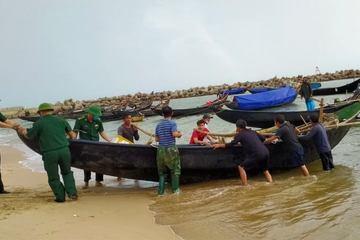 Hà Tĩnh: Giằng néo nhà cửa, tàu thuyền, sẵn sàng di dời dân nếu bão lớn