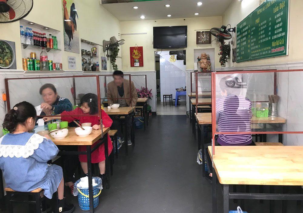 Chuyên gia dự báo gì khi Hà Nội cho phép nhà hàng, quán ăn, cà phê được phục vụ tại chỗ